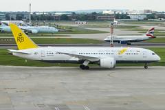 V8-DLD (markyharky) Tags: heathrow airport heathrowairport london londonheathrow lhr egll aircraft aviation avgeek v8dld boeing 787 boeing787 dreamliner royal brunei airlines royalbruneiairlines