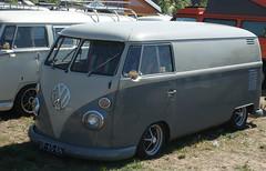 "UF-65-66 Volkswagen Transporter bestelwagen 1964 • <a style=""font-size:0.8em;"" href=""http://www.flickr.com/photos/33170035@N02/44037911262/"" target=""_blank"">View on Flickr</a>"