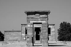 Templo de Debod (Miguel Angel Prieto Ciudad) Tags: temple religion ancient madrid egypt monument black white blancoynegro monochrome spain history nilo aswan sonyalphadslr ngc