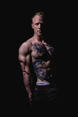 _BSC2421-3 (benni_schuetzenhofer) Tags: inked shredded shred tattoo tattooedup blackbackground abs sixpack huge muscle muscles big getbig fitness model athletic fit fitguy man male malemodel