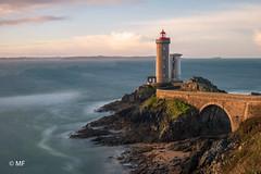 Good Morning (MF[FR]) Tags: bretagne france seascape paysage marin phare lighthouse brittany brest du minou plouzané samsung nx1 hdr ciel sky mer sea rocks rocher pont bridge