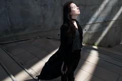 Sun (Maikaiju Palacios) Tags: sun sol chica girl forum barcelona sombras actriz cantante modelo dark oscuro claro brillo radiante blancoynegro blackandwhite bw gotas agua atardecer cabello piel ojos lips catalunya igers