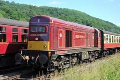20 142 arriving at Goathland (Alun EH) Tags: railways railway train railroad nymr northyorkshiremoorsrailway br britishrail britishrailways brdiesel goathland 20142 englishelectric ee class20 class200 class20189ltd chopper londontransport d8142 8142 sirjohnbetjeman