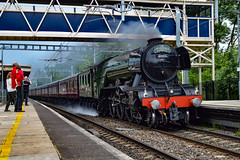 60103 + 47245 - Tilehurst - 31/05/18. (TRphotography04) Tags: lner gresley a3 pacific 462 no 60103 flying scotsman steams through tilehurst working the cathedrals express 1z72 1223 london paddington victoria west coast railways wcr 47245 was rear