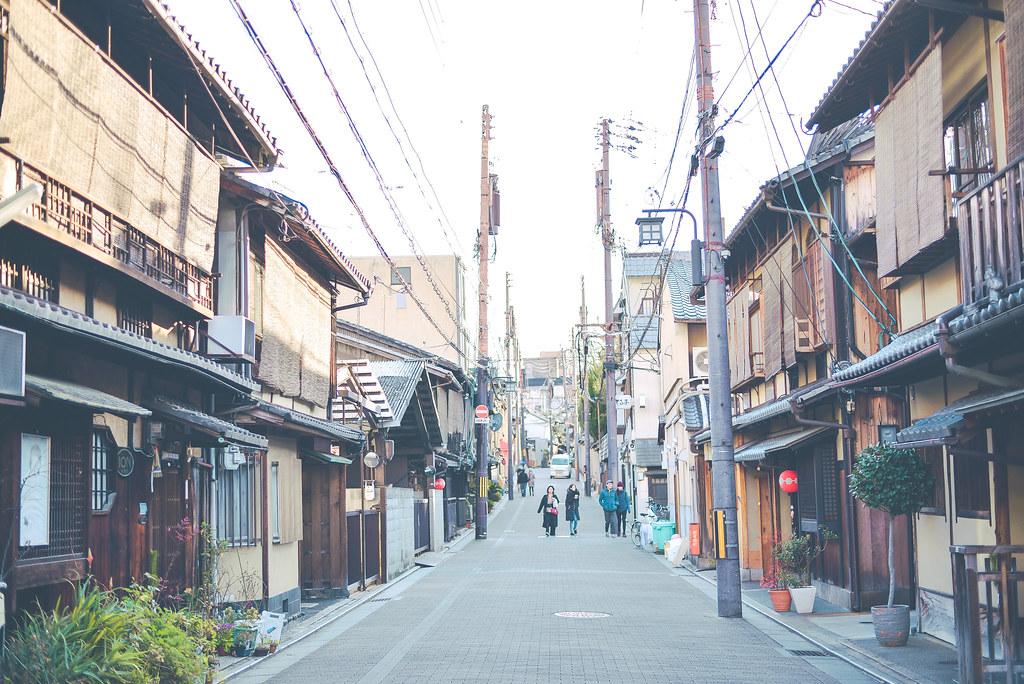 walking around kyoto in kimono-1-30