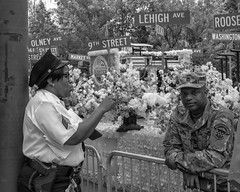 Independence Mall, 2018 (Alan Barr) Tags: philadelphia 2018 independencemall independenceday independence police soldier street sp streetphotography streetphoto blackandwhite bw blackwhite mono monochrome candid city people olympus omd em1ii