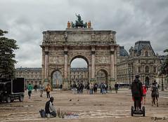 À chacun son histoire (Jean S..) Tags: park garden tuileries people clouds outdoors buildings windows castle old ancient paris