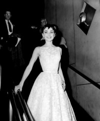 NUP_100529_0005 (Star de Cinéma) Tags: 1970 1970s award bw blackandwhite dress event fashion formal gown halflength nbcuphotobank nup100529 oneperson season26 select single special statue vintage pearlearrings belt silhouette unitedstates