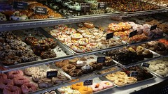 Hurts Donut Company - Springfield, Missouri (Adventurer Dustin Holmes) Tags: hurtsdonuts hurtsdonut springfield midwest dining dessert springfieldmo missouri ozarks greenecounty route66 us66 missouri66 indoor food placestoeat unique unusual pastries glazed sprinkles icing tasty delicious yummy sweet sweets treat treats jesus carameldeluxe tangyoureit tang oldfashioned dirtworm fredflinstone fruitypebbles littletimmy andesmint oreomint bartsimpson slimshady restaurant