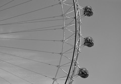 London Eye (Niwi1) Tags: attraction bigwheel greatbritain outdoor london england europa sehenswürdigkeit riesenrad sw bw nikon