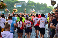 Würzburg (bLiCk-WiNkL) Tags: würzburg firmenlauf mainbrücke run runner crowd germany bavarian frankonia men women franken bayern deutschland fit fitness warm sunny evening