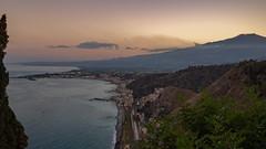Monte Etna. (de.bu) Tags: etna monteetna vulkan ätna sicily sunset sunny sizilien landscape landschaft italien italy sonnenuntergang coastline küste mittelmeer hdr olympus mzuiko17mmf18
