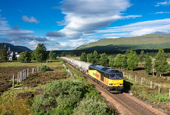 Shock sun at Dalwhinnie (Rails West) Tags: class60 colas60 dalwhinnie highlandmainline locations scotland cement 6h51 invernesscement colas 60096