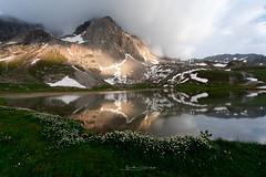Au bord du lac (Guizzosoprano) Tags: canon canon5dmiv canon1635f4isusm montagne mountain lac alpes lake landscape nature reflets