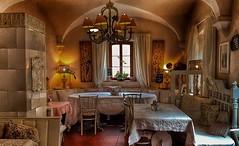 FairytaleCafé (Lothbrock'sYen) Tags: fairytale café cafésolo indoor room table chair weisenheimamberg