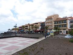 Valle Gran Rey városa (ossian71) Tags: spanyolország spain kanáriszigetek canaryislands lagomera gomera vallegranrey városkép city utca street épület building
