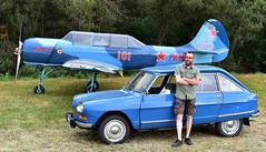 Me, my car and a plane. (XBXG) Tags: 0953ms citroën ami 8 club 1970 citroënami8 citroënami ami8 blue bleu danube phdtm yakovlev yak52 classiccarsaeroplanes 2018 seppe breda international airport ehse seppeairport vliegveldseppe seppeairparc vliegveld luchthaven aéroport meeting car bosschenhoofd noordbrabant brabant nederland netherlands holland paysbas vintage old classic french auto automobile voiture ancienne française vehicle outdoor
