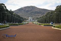 Australian War Memorial - view from ANZAC Parade (naemickpics.com) Tags: 2018 australian war memorial naemickpicscom lest we forget canberra naemickpics australia lestweforget australianwarmemorial reid australiancapitalterritory au visitact awm ww1 ww2 soldier airman seaman