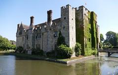 Hever castle, Kent (Westhamwolf) Tags: hever castle kent england moat henry eighth royal family king queen anne boleyn