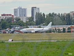 UR-CQW (Кевін Бієтри) Tags: ur cqw urcqw ebl erbil flyerbil boeing 737 737700 boeing737700 boeing737 bay bravoairways bravo iev sex sexy ukraine ukkk kyiv kyivzhulyany zhulyany d3200 d32 d32d nikond3200 nikon kevinbiétry kevin keke kequet kequetbiétry kequetbibi fribspotters flyebl