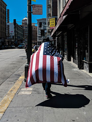 Untitled (kenwalton) Tags: america americanflag boulevard california flag highway human humans northamerica pedestrian pedestrians people person photography road soma sanfrancisco sidewalk sidewalks southofmarket starsstripes starsandstripes street streetphoto streetphotography streets usa usaflag unitedstates unitedstatesofamerica urban walker walkers streetphotographer