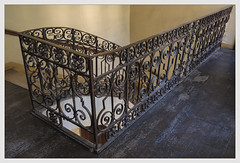 Le beau travail (afantelin) Tags: iledefrance paris6ème escalier ferronnerie métal xviiie plancher