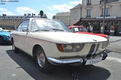 BMW 2000 CS 1967 (Monde-Auto Passion Photos) Tags: voiture vehicule auto automobile bmw 2000 cs coupé beige ancienne classique rare rareté collection vente enchère osenat france fontainebleau