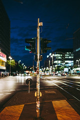 Traffic Light (mripp) Tags: art vintage retro old urban city stadt bokeh mitte berlin night sony voigtländer nokton 40mm nacht