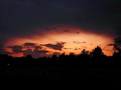 imposant /// imposing (Pixelchen1) Tags: nikonp900 sunset sonnenuntergang darkness dunkelheit clouds wolken red rot landscapes landschaft lookinthesky blickindenhimmel