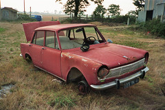 Lost in France (TinHunter) Tags: epaves autowrack classiccar abandoned casseauto frankreich simca 1500 autoabbandonate