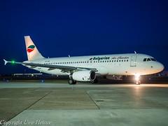 Bulgarian Air Charter LZ-LAE HAJ at Night (U. Heinze) Tags: aircraft airlines airways flugzeug planespotting airplane plane olympus 1240mm haj hannoverlangenhagenairporthaj eddv