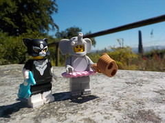 ☀ Nice weather for a picnic ☀ (Lego Custom Zone) Tags: lego minifigs toy minifigure toys summer sun hot picnic mountain view mine chimney elly kitty cat elephant tree forest