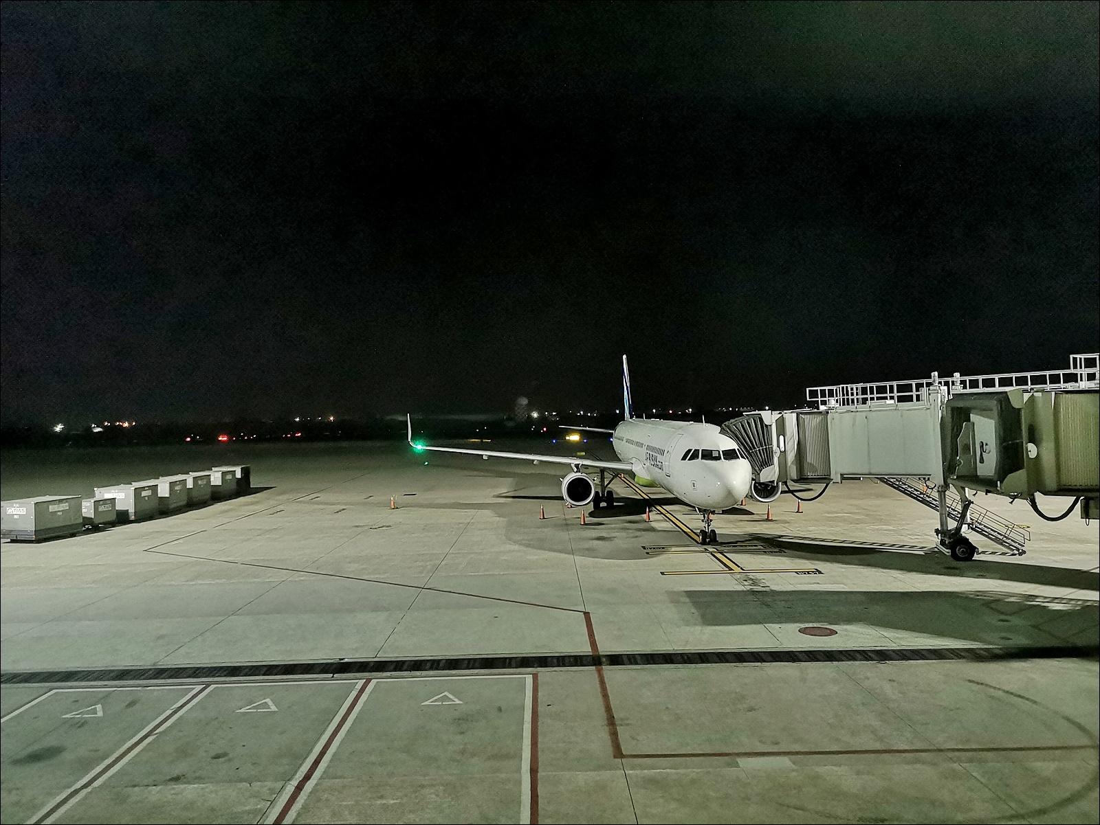 釜山航空紅眼班機