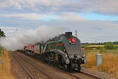 60009 Union of South Africa (gareth46233) Tags: lner a4 60009 unionofsouthafrica raf 100 hayfields bessacarr doncaster 66009