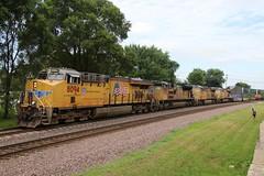 Start of UP westbound stack train parade (kschmidt626) Tags: union pacific train illinois rochelle park railroad graffiti bnsf burlington diamond