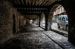 Zona despejada (SantiMB.Photos) Tags: 2blog 2tumblr 2ig bagà berguedà primavera spring lluvia rain pórtico arcade geo:lat=4225262395 geo:lon=186086297 geotagged baga cataluna españa esp