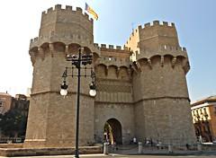Torres de Serranos - València (Kiko Colomer) Tags: francisco josé colomer pache kiko valencia valence torres serranos centro historico urbano ciudad rio turia cauce