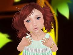100_Close Up (littleglitterprincess) Tags: kosmetik nails pressonnails sophiescloset dress sandals omega bebemeshbody bento meshbody meshhead toddleedoohead toddleedoo magika