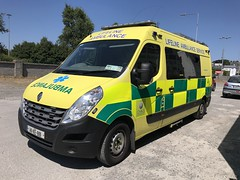 Lifeline Ambulance Service - Renault Master Ambulance - Athlone, County Westmeath (firehouse.ie) Tags: krankenwagen ambulancia athlone lifelineambulanceservice lifeline ambulances ambulance master renaultmaster renault