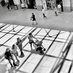 """Life_Capture"" (giannipaoloziliani) Tags: lifelive lifestyle view shapes shadows light lightandshadow genova genoa nikonphotography nikoncamera sunlight perspective persone minimalismo minimal people monochrome monocromatico capture blackandwhite biancoenero"