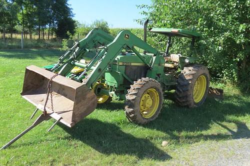 1991 John Deere 2355 4WD Tractor ($18,928.00)