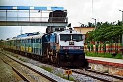 MYS - YPR Pass. (B V Ashok) Tags: mysoreyeshvantapur mysypr 6 56216 passenger thippasandra tasa swr kjm krishnarajapuram wdp4 20041 emd
