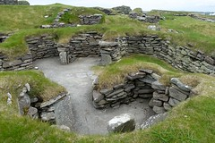 Jarleshof, prehistoric archaeology in the South Mainland of Shetland (nz_willowherb) Tags: scotland shetland mainland south jarleshof prehistory prehistoric rural historicscotland bysumburghairport ironage bronzeage pictish norseperiod oldhouseofsumburgh