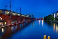 Berlin - Spree River @Blue Hour - HDR (Pascal Volk) Tags: berlin mitte jannowitzbrücke jannowitzbridge spree river río fluss berlinmitte langzeitbelichtung bulb longexposure largaexposición slowshutter blauestunde dämmerung zwielicht bluehour horaazul lheurebleue twilight dusk altorangodinámico highdynamicrangeimage hdr hdri hdraddicted wideangle weitwinkel granangular superwideangle superweitwinkel ultrawideangle ultraweitwinkel ww wa sww swa uww uwa canonpowershotg1xmarkiii 15mm joby gorillapodslrzoom ballheadslrzoom dxohdrefexpro nikcollection dxophotolab