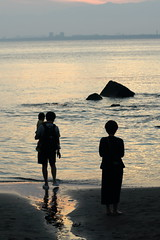The End of the Day (seiji2012) Tags: 藤沢市 江ノ島 夕景 家族 夕焼け ブルーアワー fujisawa sunset enoshima beach family