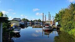 Grenswater (Peter ( phonepics only) Eijkman) Tags: amsterdam zaandam zaanstad zaan zaanstreekwaterland nederland netherlands nederlandse noordholland holland water waterland canals