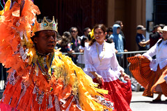 Carnaval Parade SF 57 (TheseusPhoto) Tags: carnaval carnaval2018 carnavalsf parade costume colors colorsoftheworld culture sanfrancisco missiondistrict missionsf streetphotography street people celebration guy man crown