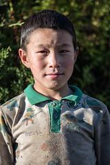 Portrait of a young boy in Laya - Gasa District - Snowman Trek - Bhutan (PascalBo) Tags: nikon d500 asie asia southasia asiedusud drukyul drukgyalkhap bhutan bhoutan འབྲུག་ཡུལ། འབྲུག་རྒྱལ་ཁབ་ snowman trek trekking hike hiking lunana gasa himalaya himalayas jigmedorjinationalpark laya layap people portrait kid child enfant boy garçon outdoor outdoors pascalboegli