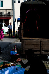 DSCF9586 (lukmanism) Tags: fujifilm helios442 lensturbo2 kualaklawang negerisembilan malaysia streetphotoghraphy silhouette vintagelens pasartani market sunrise muziumadat