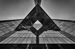 The Triangle (Leipzig_trifft_Wien) Tags: london england vereinigteskönigreich gb architecture modern contemporary building urban black white reflection pov perspective lookup